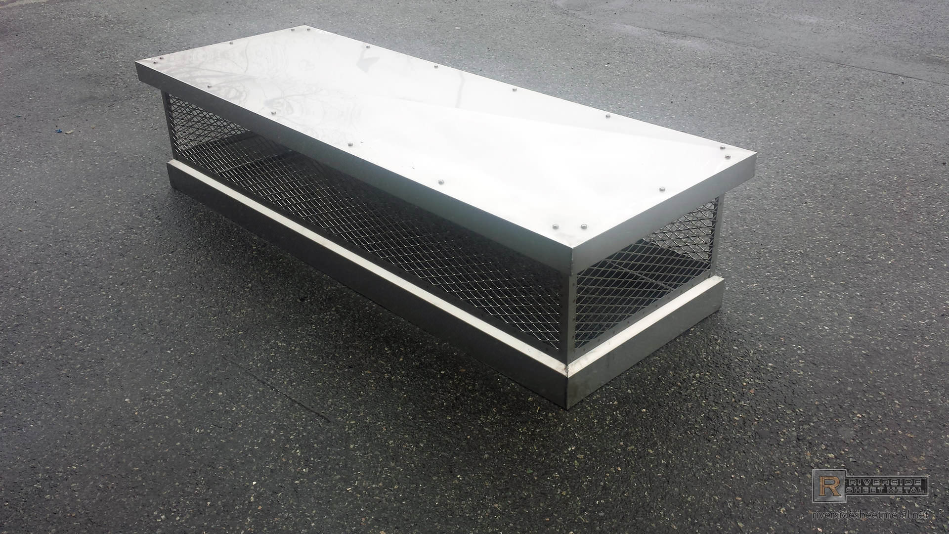 Stainless Steel 2b Chimney Cap With Custom Boxed Design