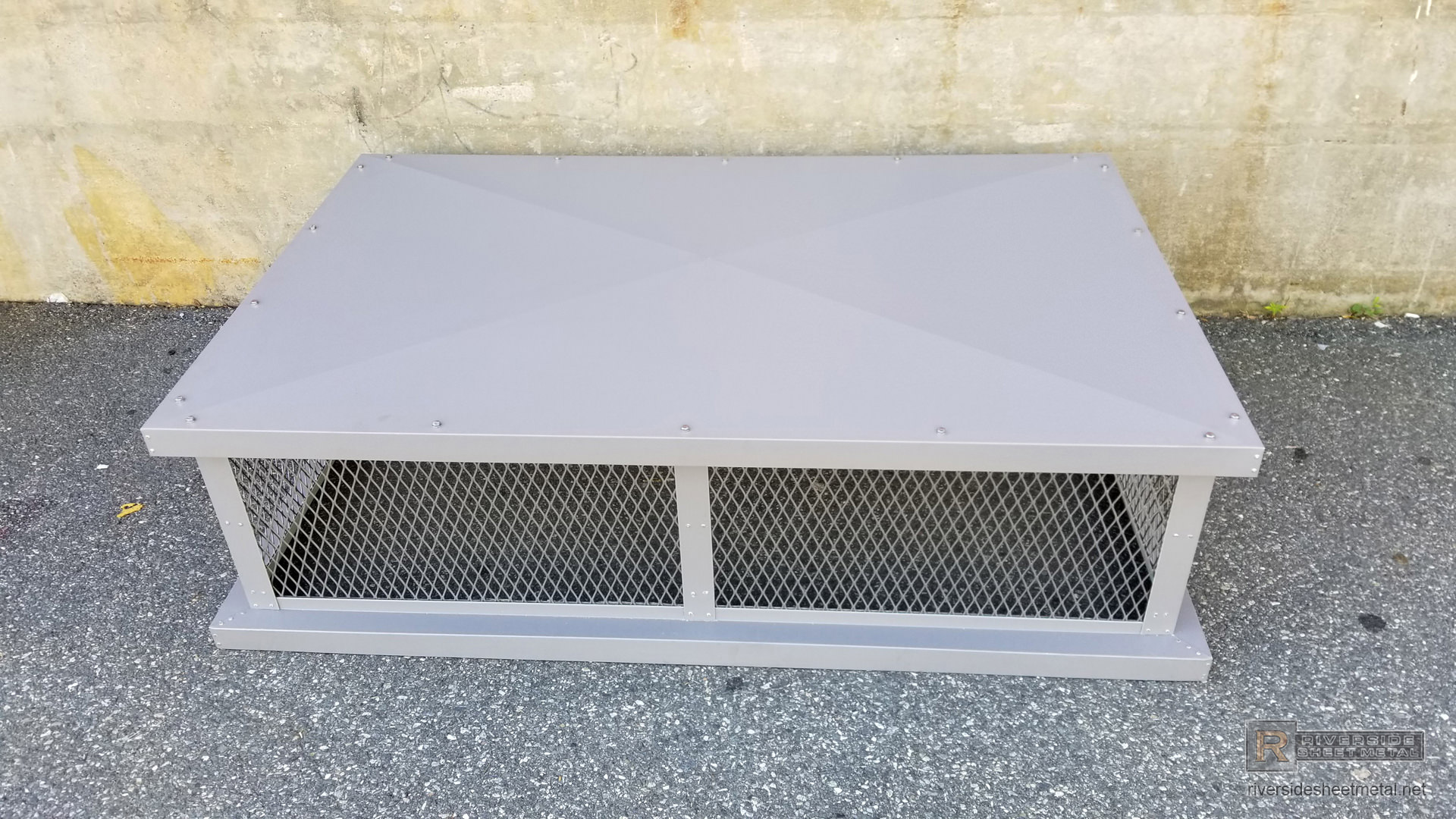 Simple Chimney Cap With Box Style Roof Ch030