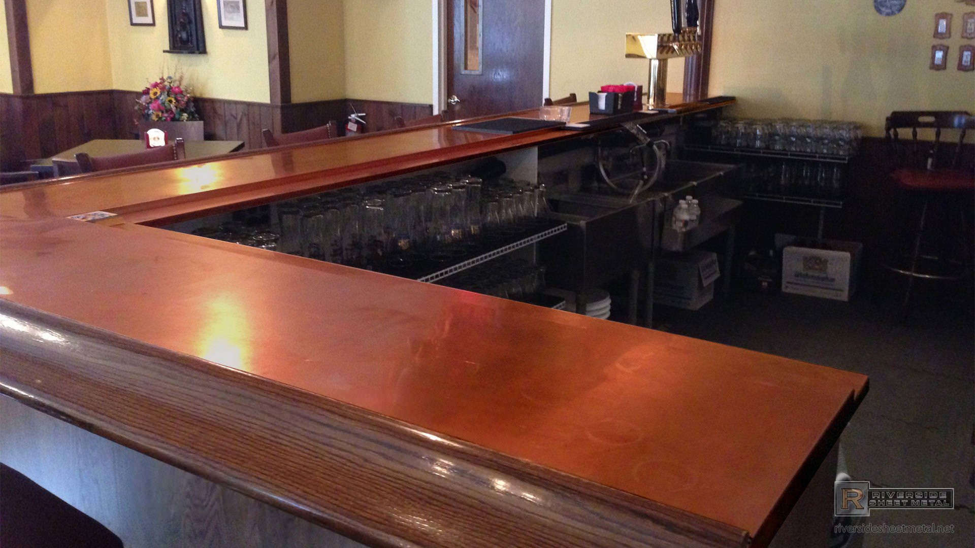 Copper bar top with wooden arm molding rest - MA, USA