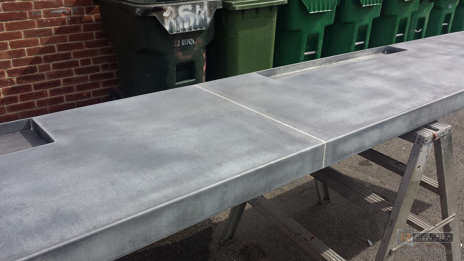... Dark Patina Zinc Bar Top With Drink Tray And Brass Pins   View 10 ...