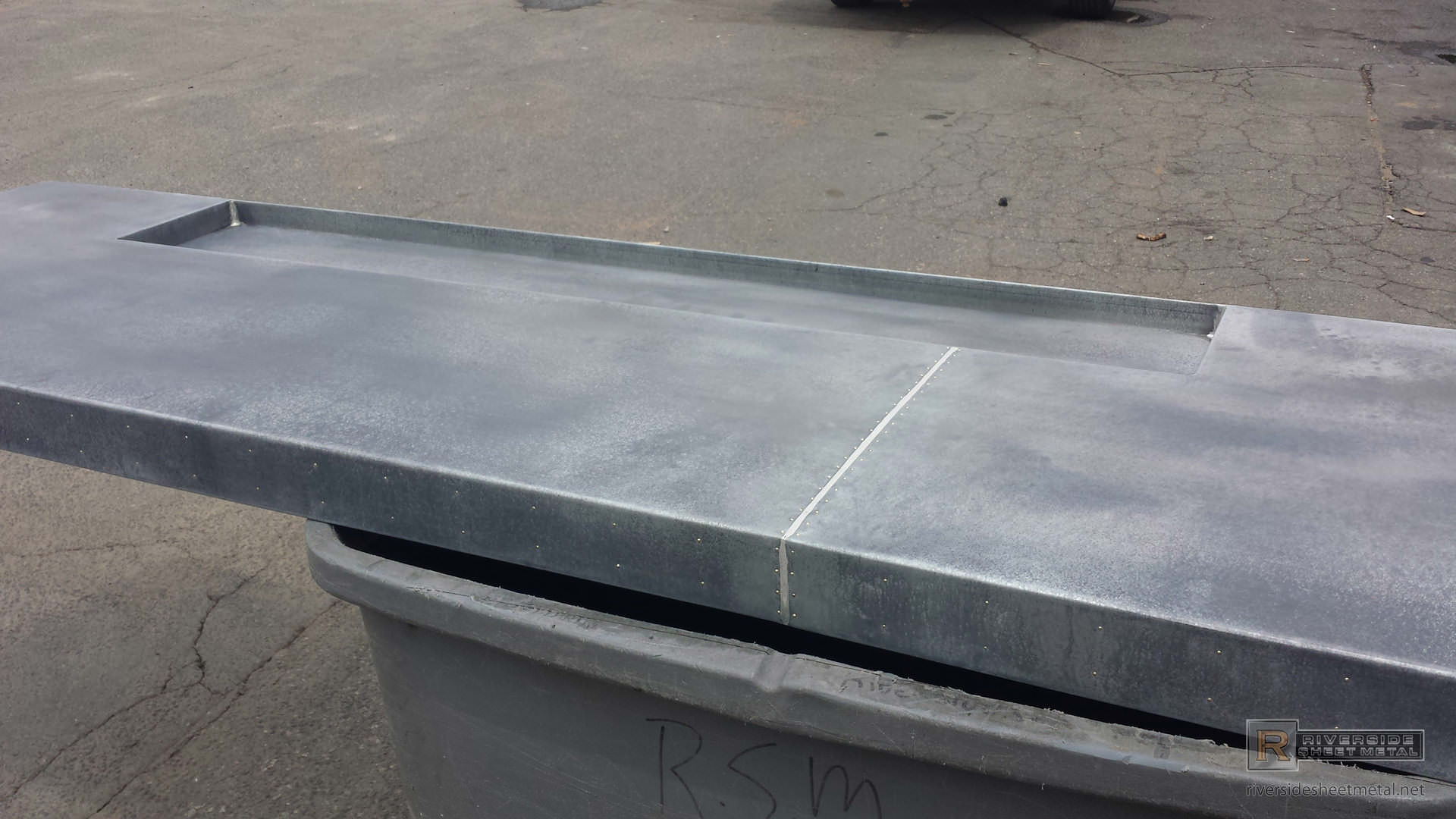 ... Dark Patina Zinc Bar Top With Drink Tray And Brass Pins   View 4 ...