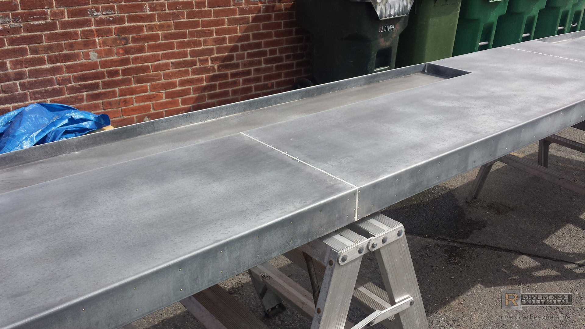 ... Dark Patina Zinc Bar Top With Drink Tray And Brass Pins   View 8 ...