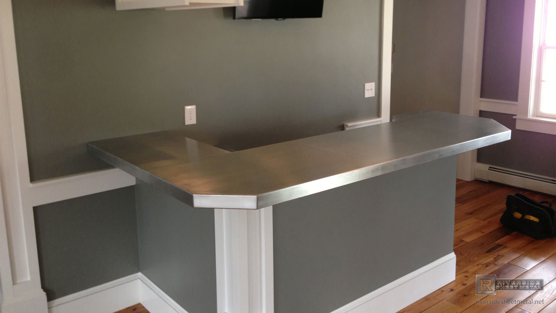 Zinc Bar Top L Shaped With 45 Degree Corner Bronze Stained Counter