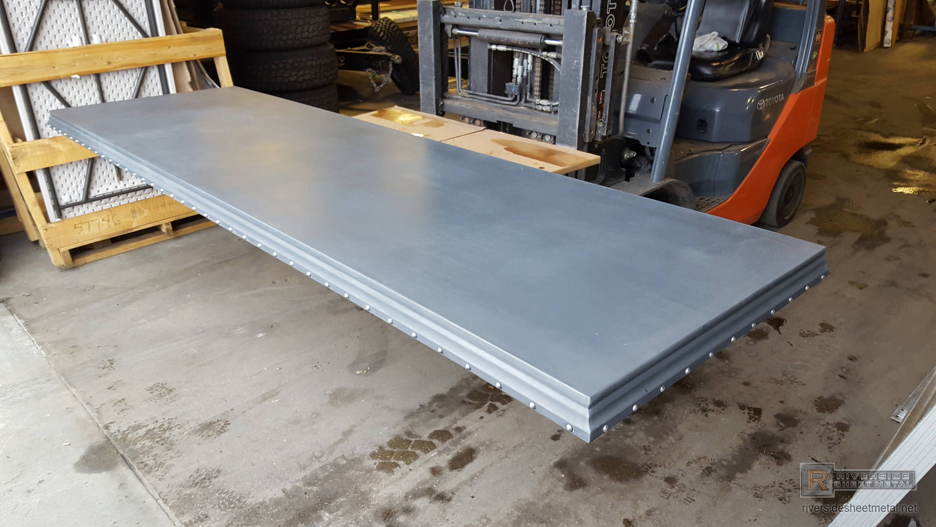 Zinc Counter Top With Detailed Edge And Round Head Stainless Steel Rivets View 3