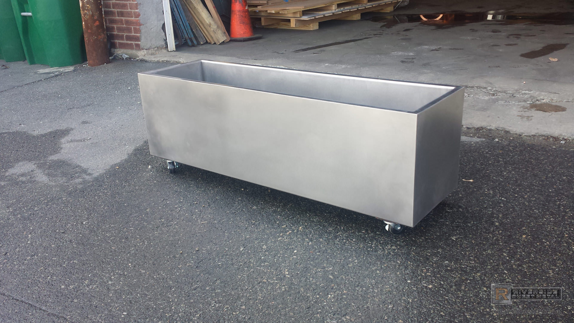 Stainless steel cooler on wheels / Page parkes modeling reviews