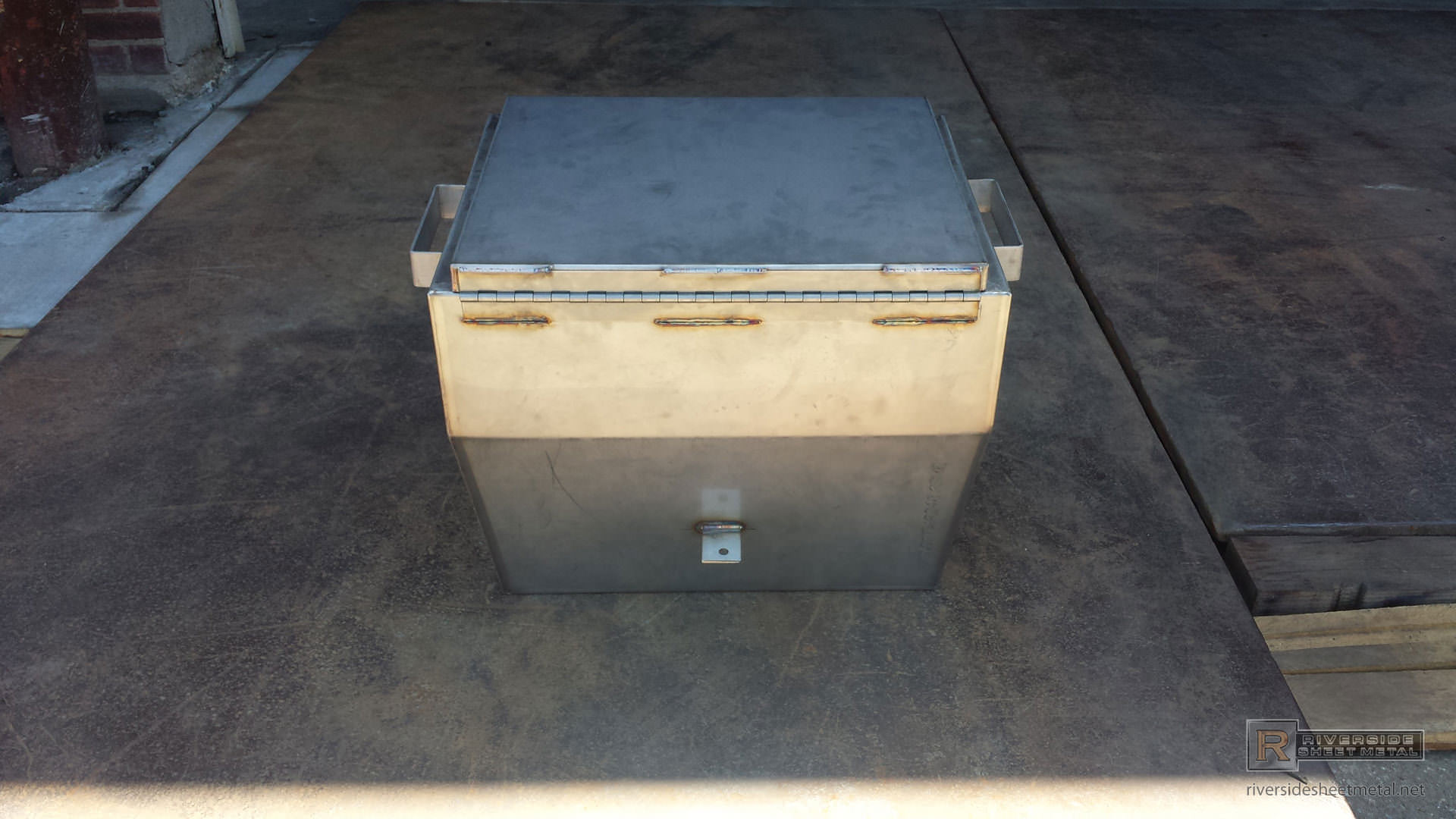 Custom Stainless Steel Juice Cooler With Hinge Boston Ma