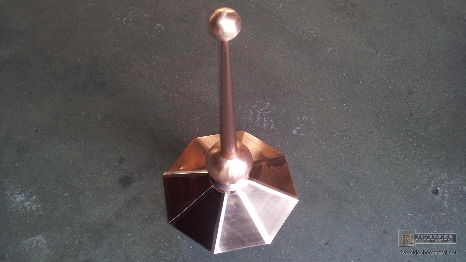 Octagon Shaped Copper Finial With 2 Copper Balls Fi003