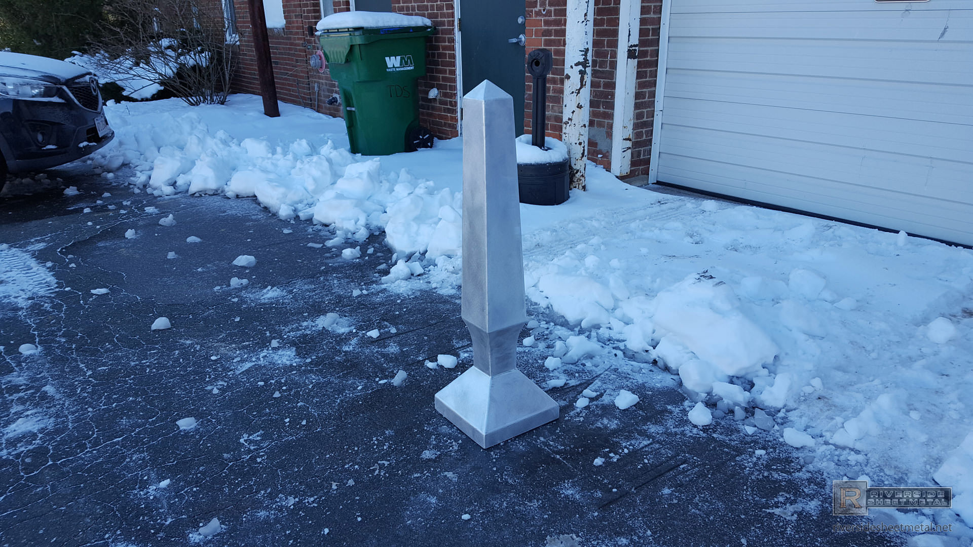 Obelisk Finial With Curved Custom Base Fi008