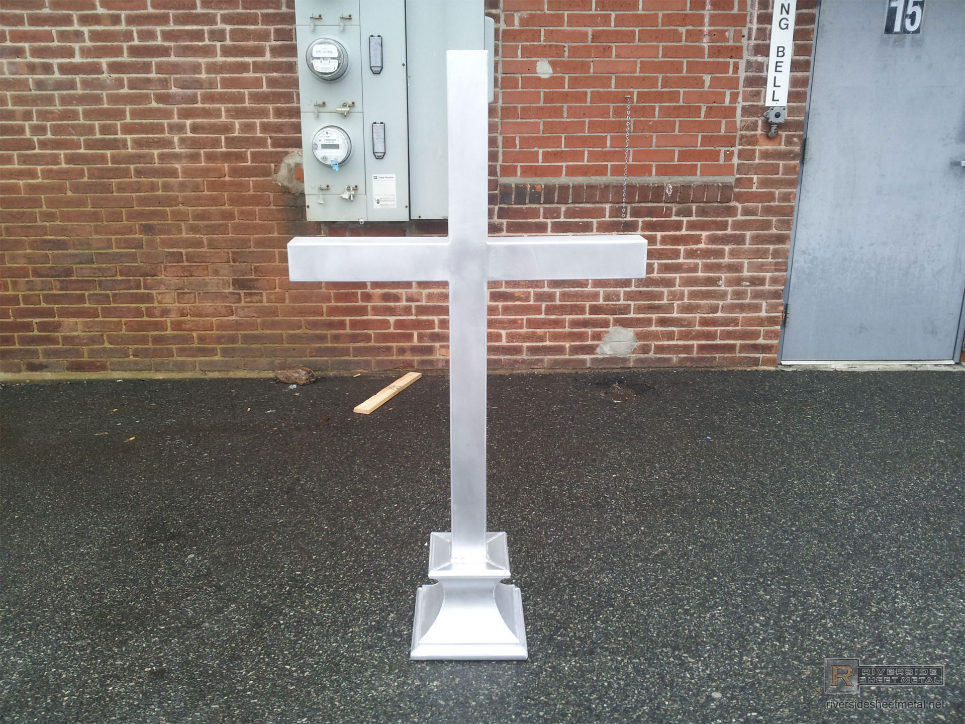 Aluminum Cross Finial With Rectangular Base Fi029