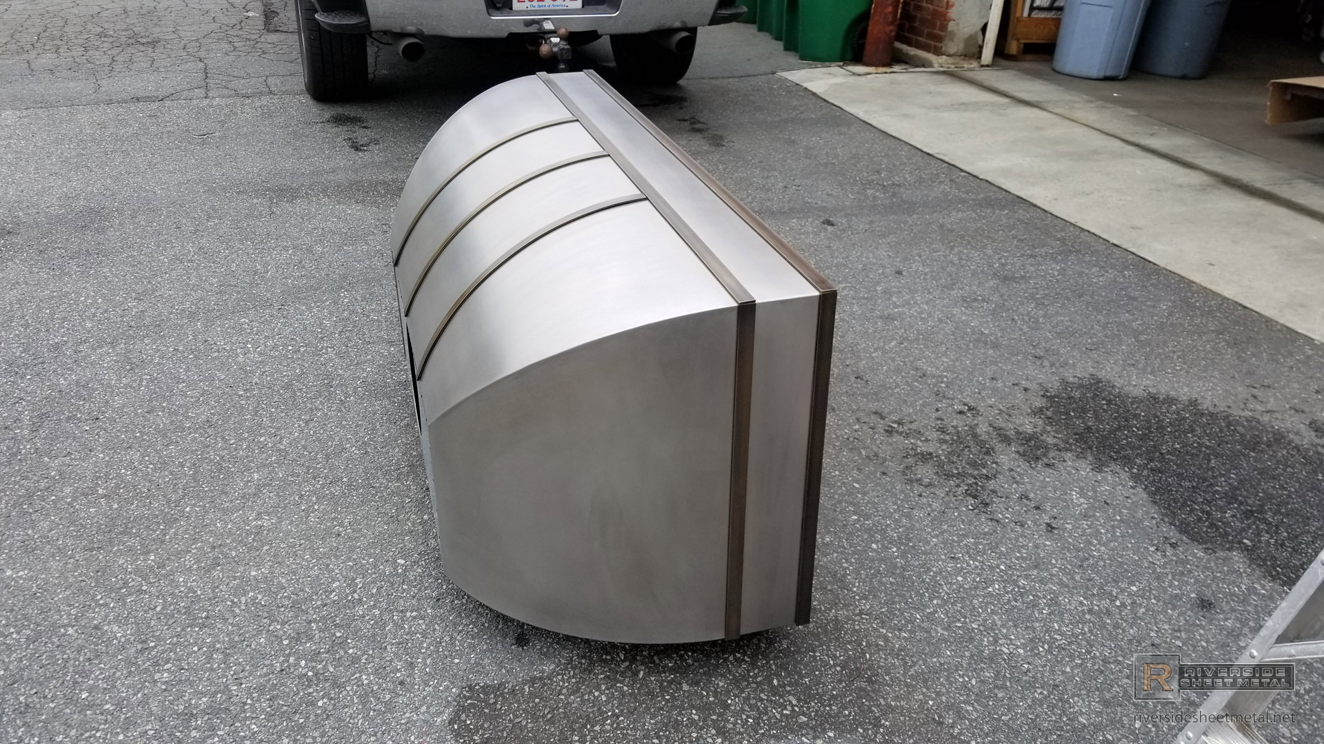 Bell Range Hood Vent With Rolled Stainless Steel And