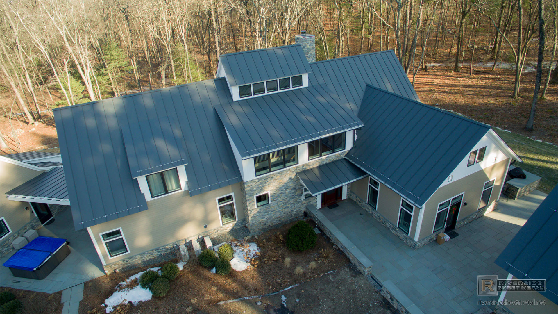 Charcoal Gray Aluminum Standing Seam Metal Roof Ma