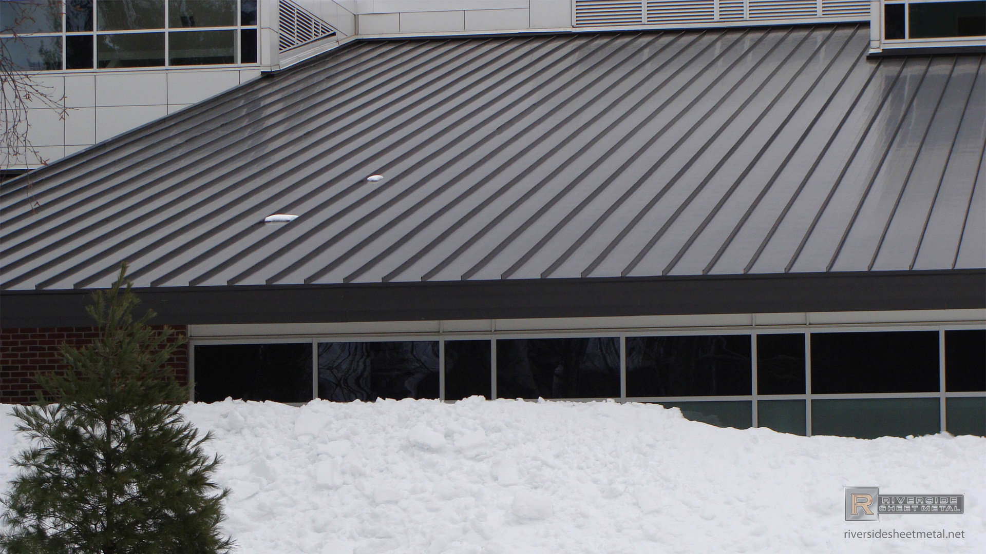 bronze aluminum roof without snow on
