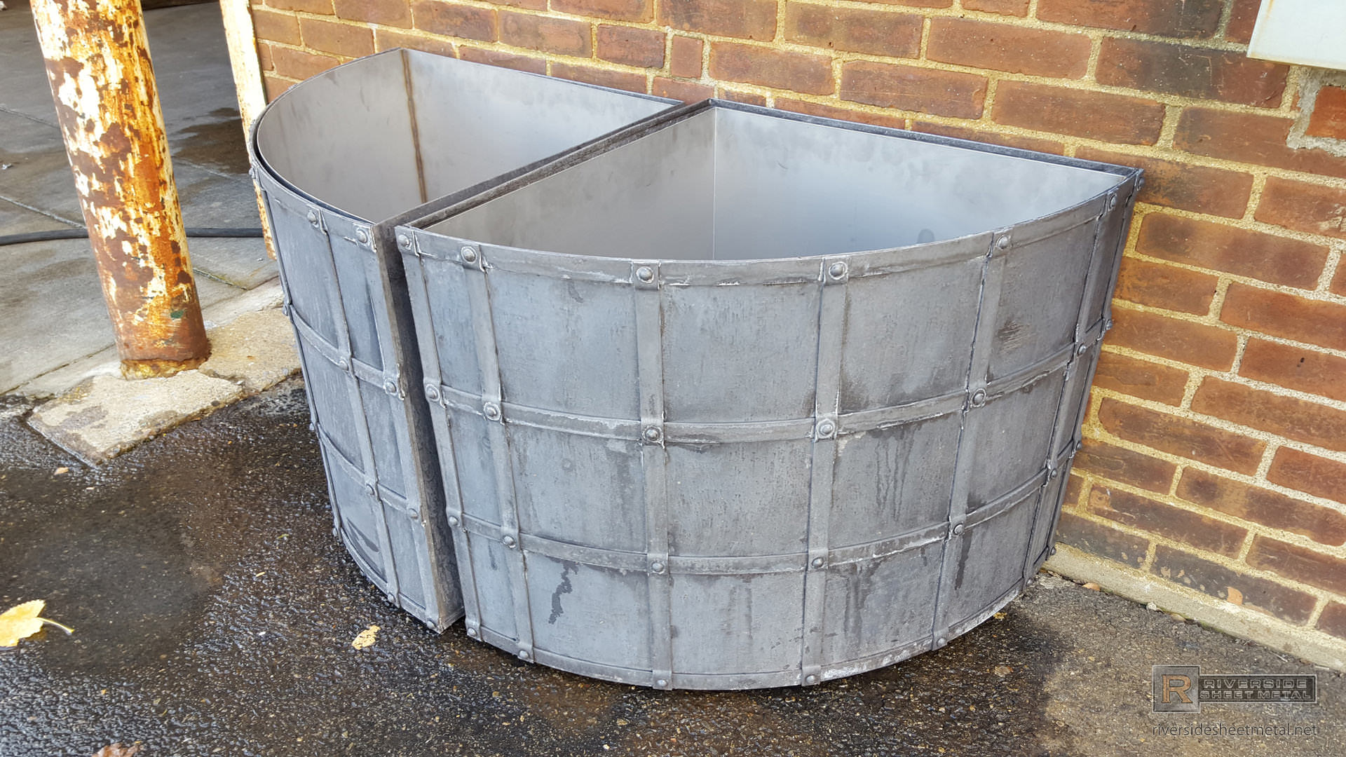 Dark Patina Lead Coated Copper Planters With Grate And Rivets