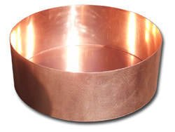 Round copper planter with satin finish